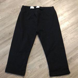 NWT kids Gap Capri length pants. Size Medium